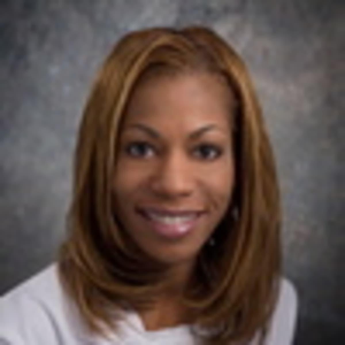 Dr. Harriet Davis, MD | Charlotte, NC | Family Doctor