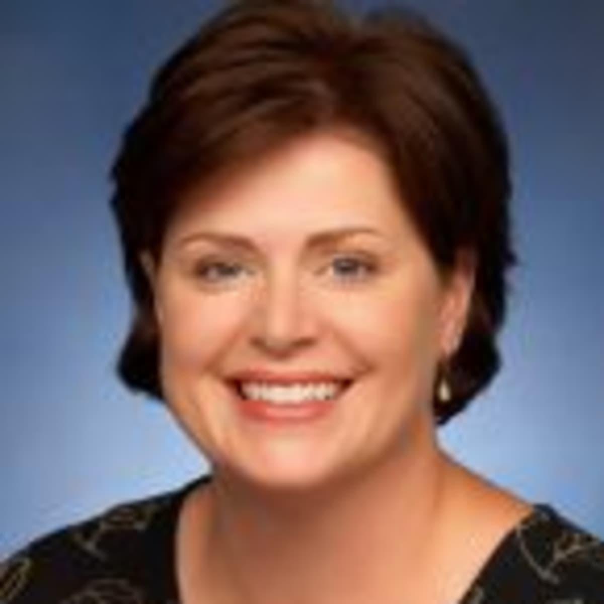 Dr Lynette Nusberger