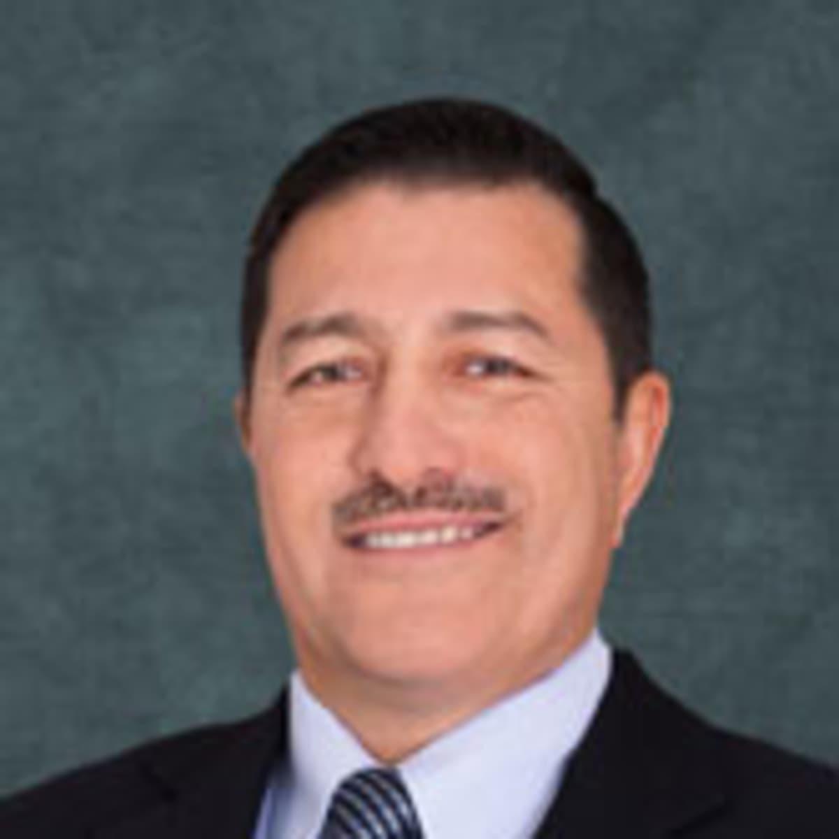 Dr. Ricardo A Meade - Reviews
