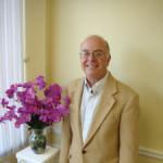 Dr. Robert W Noppinger