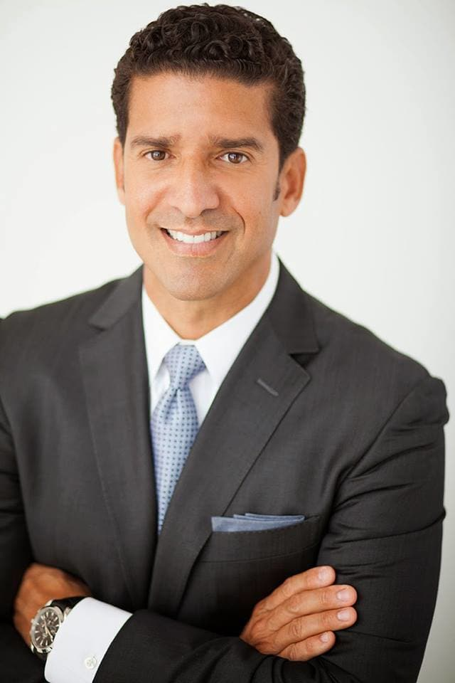 Dr. Armando Aguilera DDS