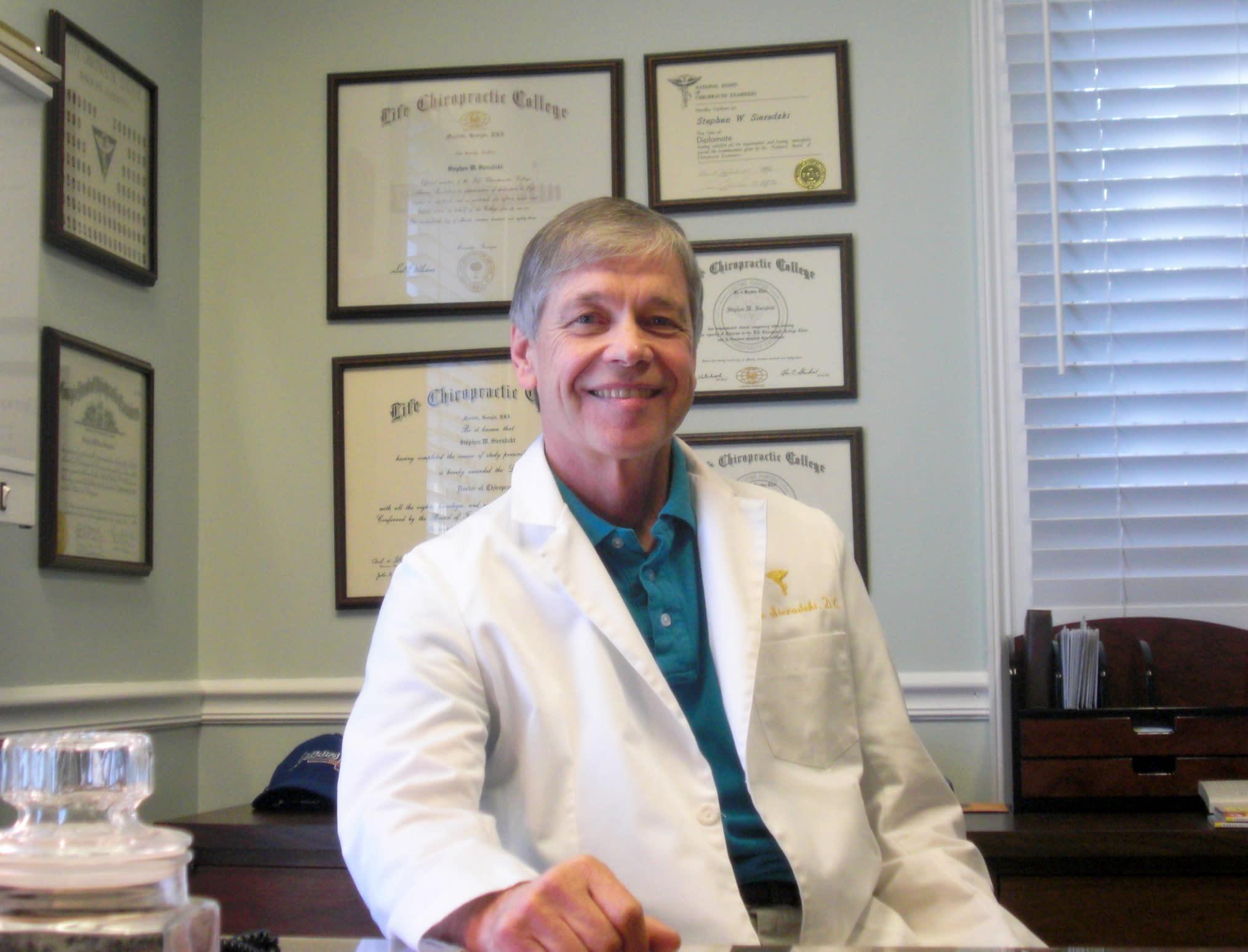 Stephen W Sieradzki, DC Chiropractor