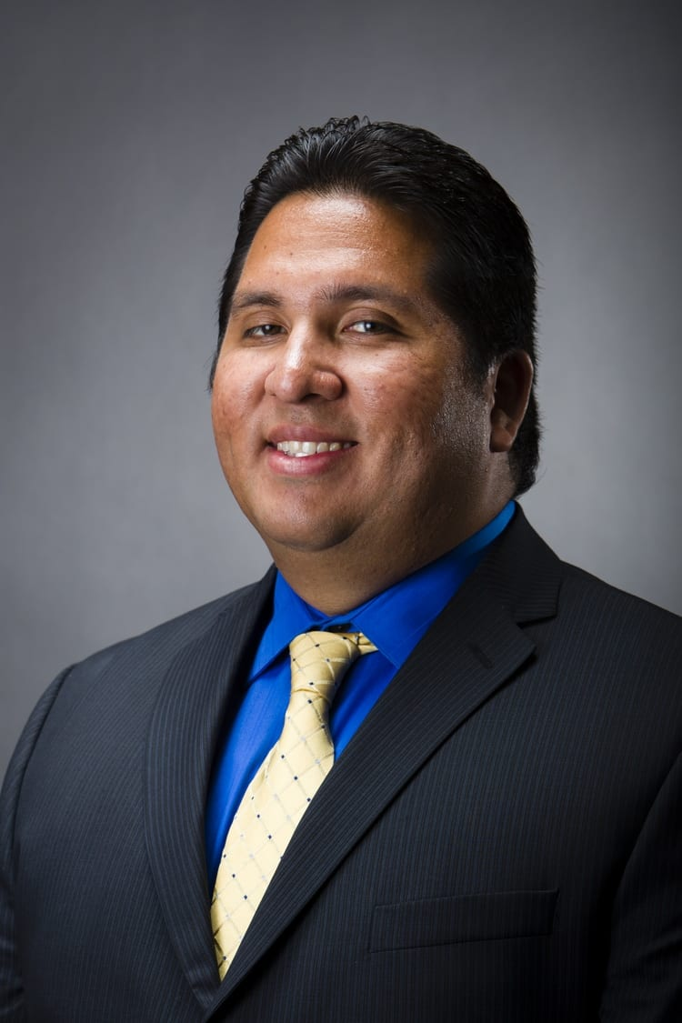 Julio E Pardave, DC Chiropractor