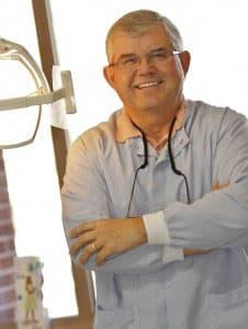 Dr. Wayne M Beavers DDS
