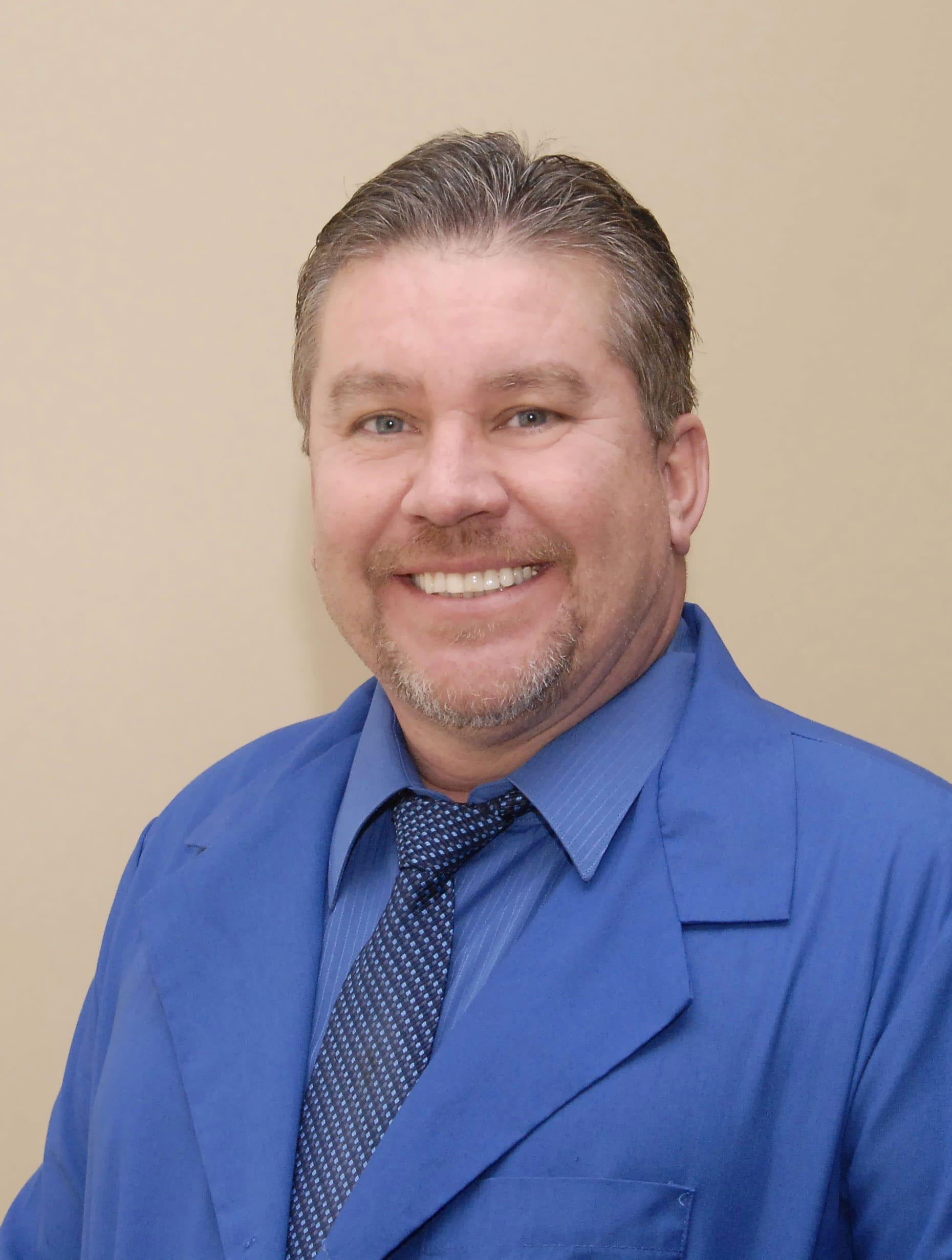 Dr. Alan D Torres