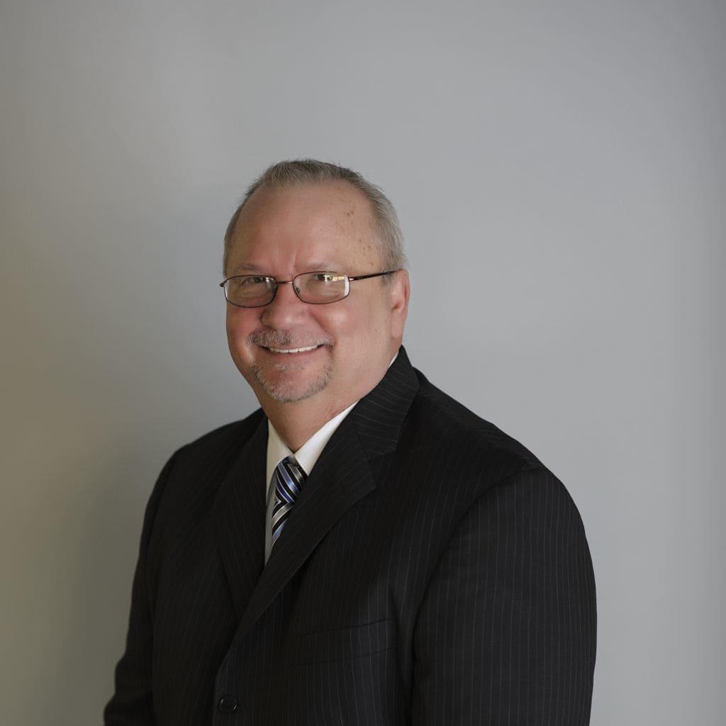 Dr. Michael E Holmes