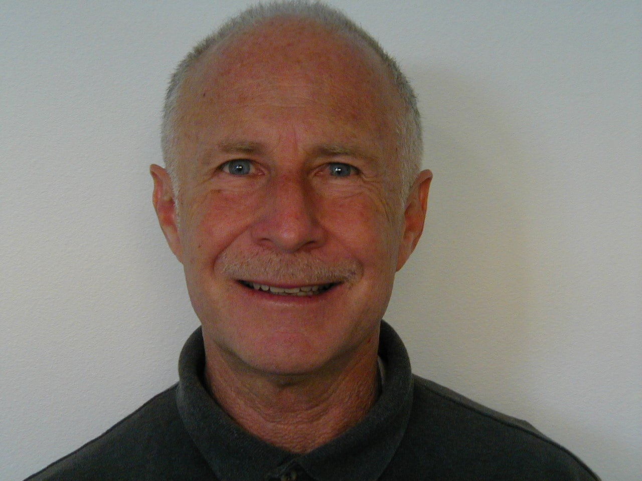 Dr. Gary Bratman