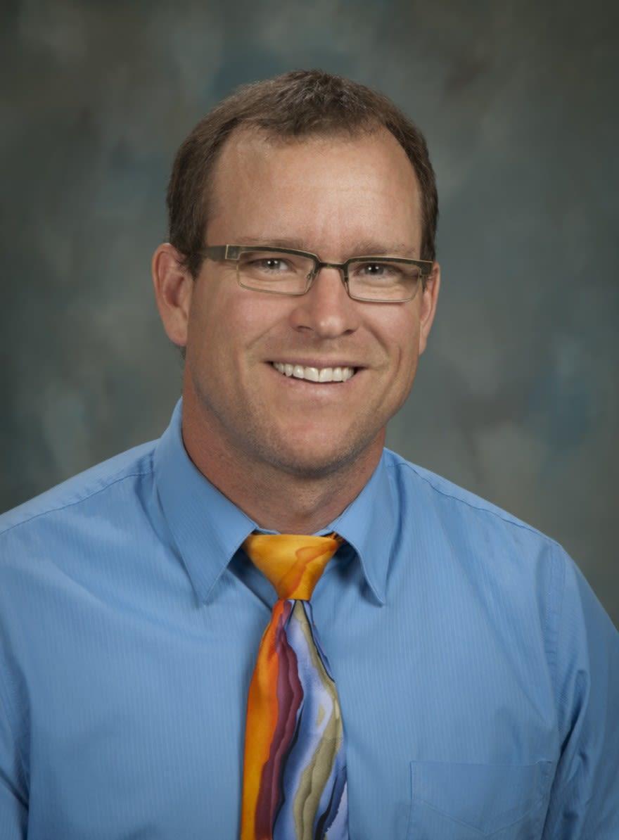 Larry L Vanderzee, OD Optometry