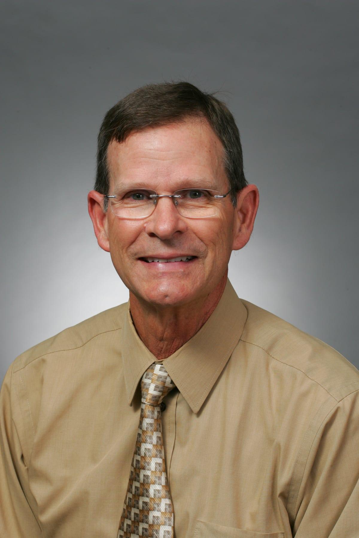 Dr. Wayne V Moore MD