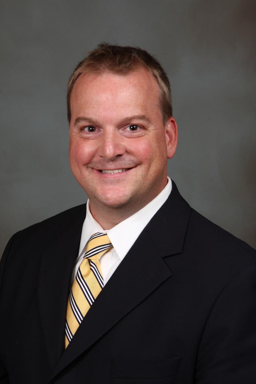 Dr. Scott C Mc Govern MD