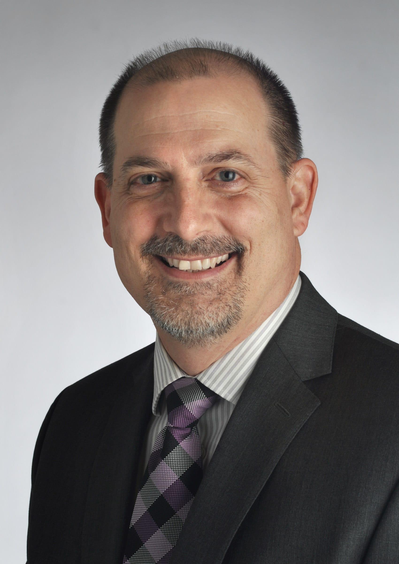 Dr. Daniel E Bruegger MD