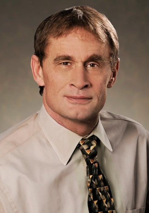 Dr. Robert W White MD