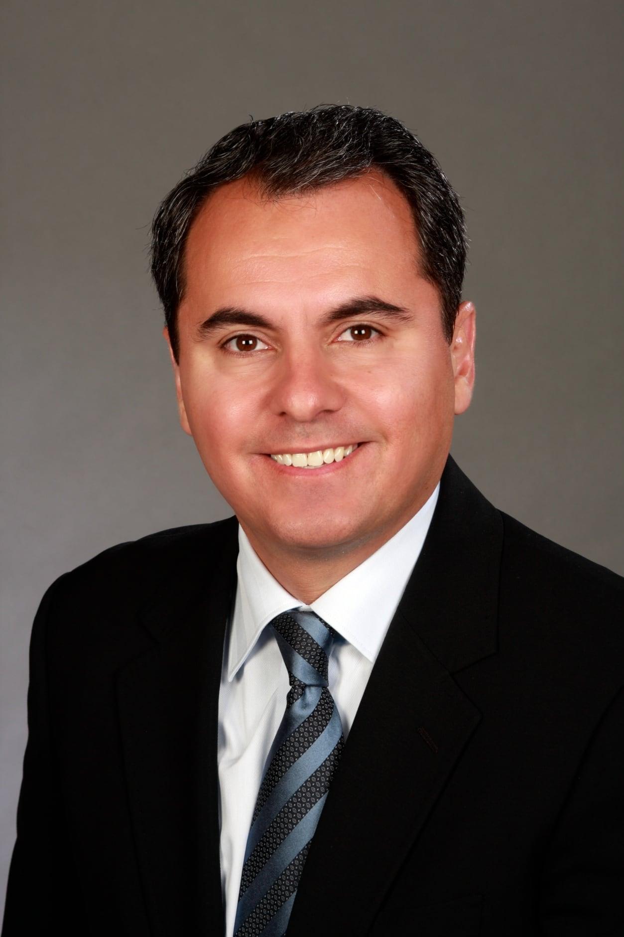Dr. Daniel D Esmaili MD