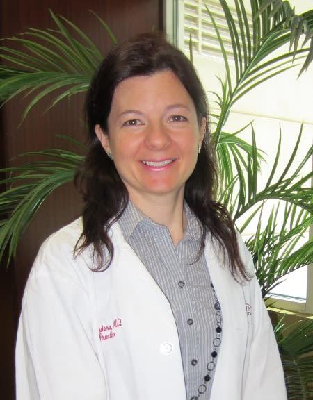 Dr. Yvonne L Saunders-Teigeler MD
