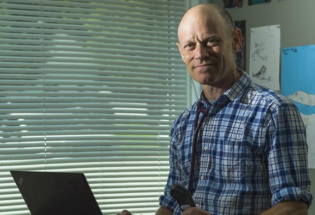 Dr. Moss J Linder MD