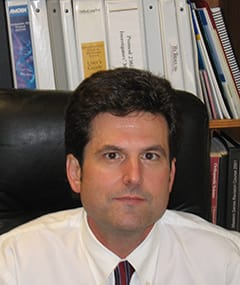Dr. Kurt R Larson MD