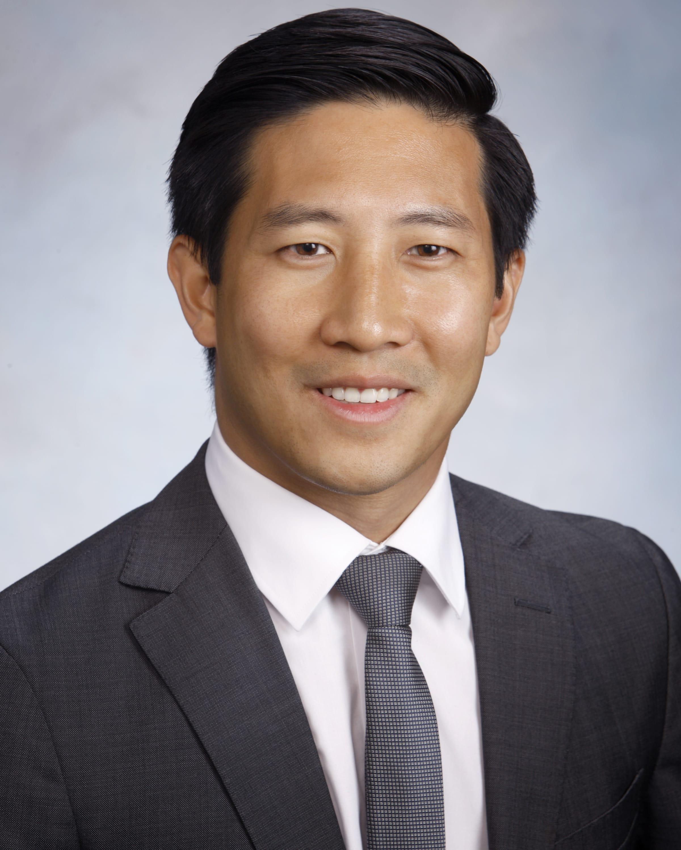 Dr. Jesse D Le MD