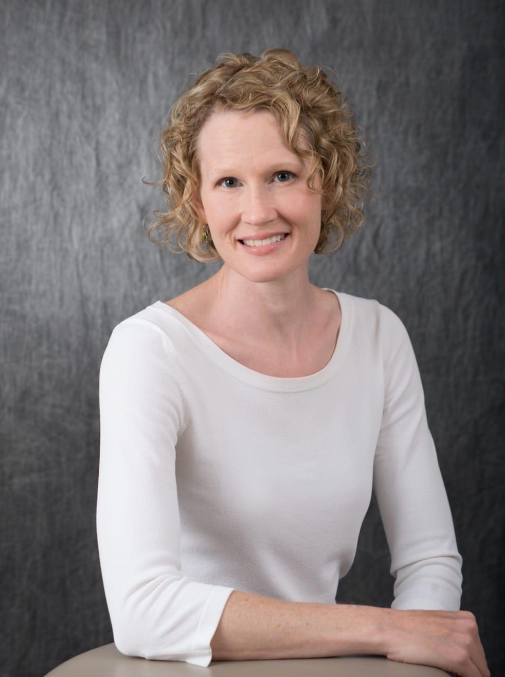Dr. Robyn D Hartvickson MD