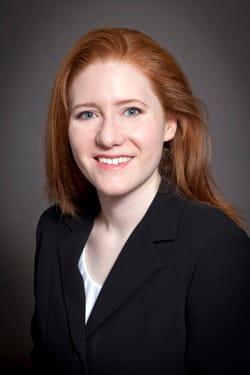 Dr. Julie E Walcutt MD