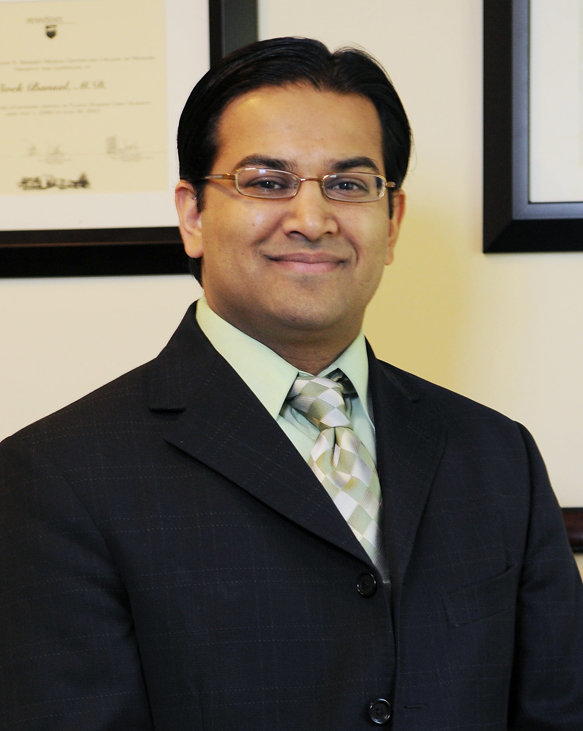 Dr. Vivek Bansal MD