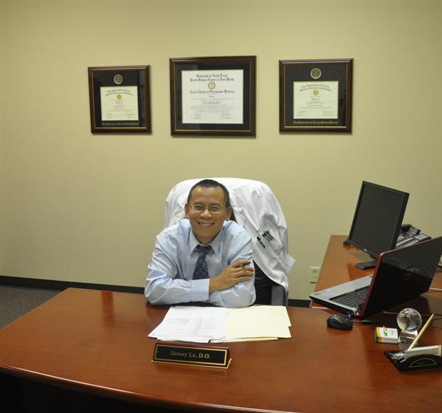 Dr. Dewey Le DO