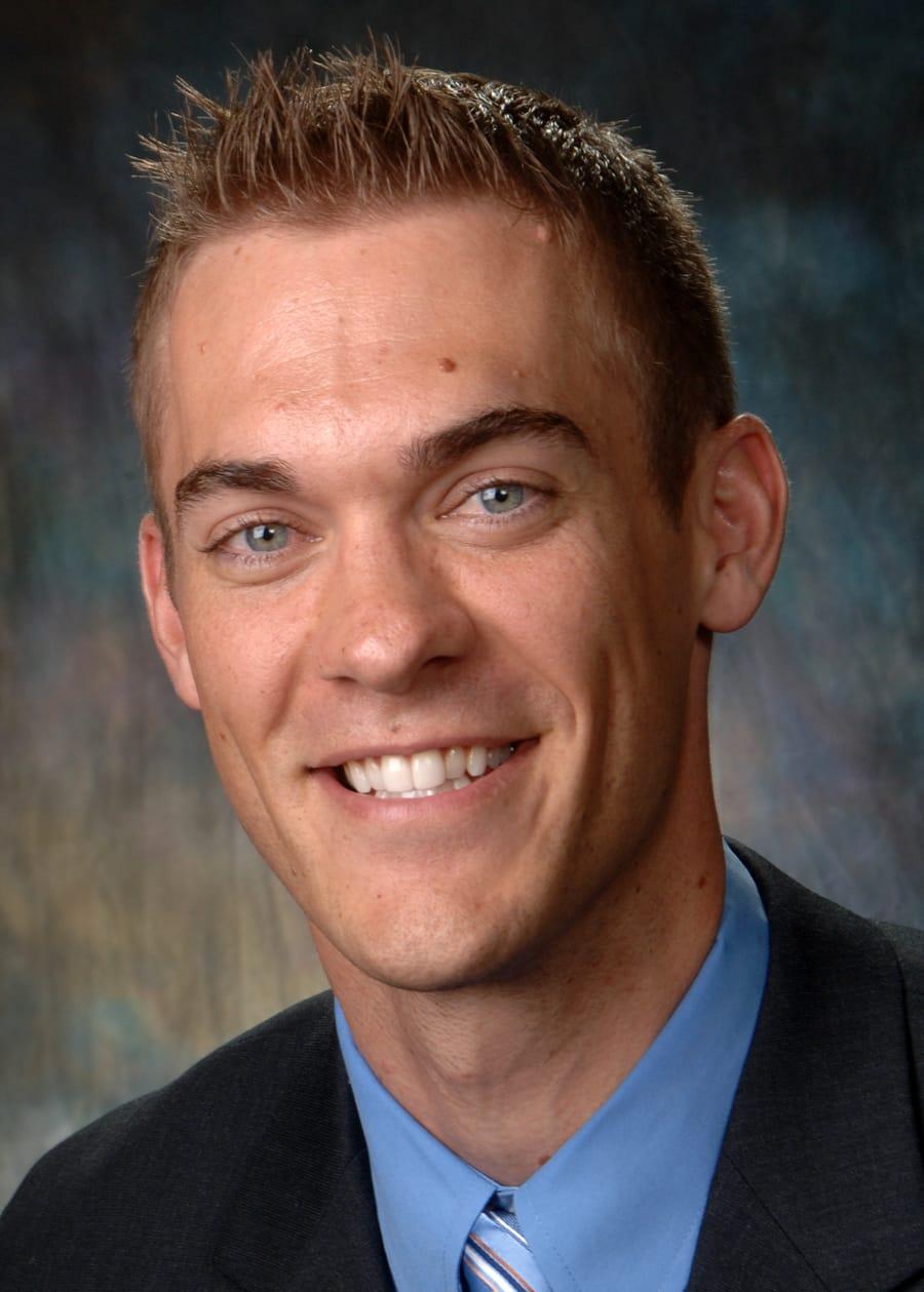 Dr. Travis L Mattson MD