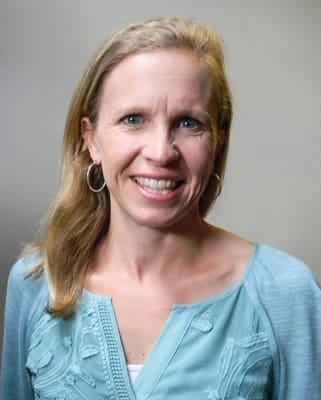 Dr. Suzanne M Bradshaw MD