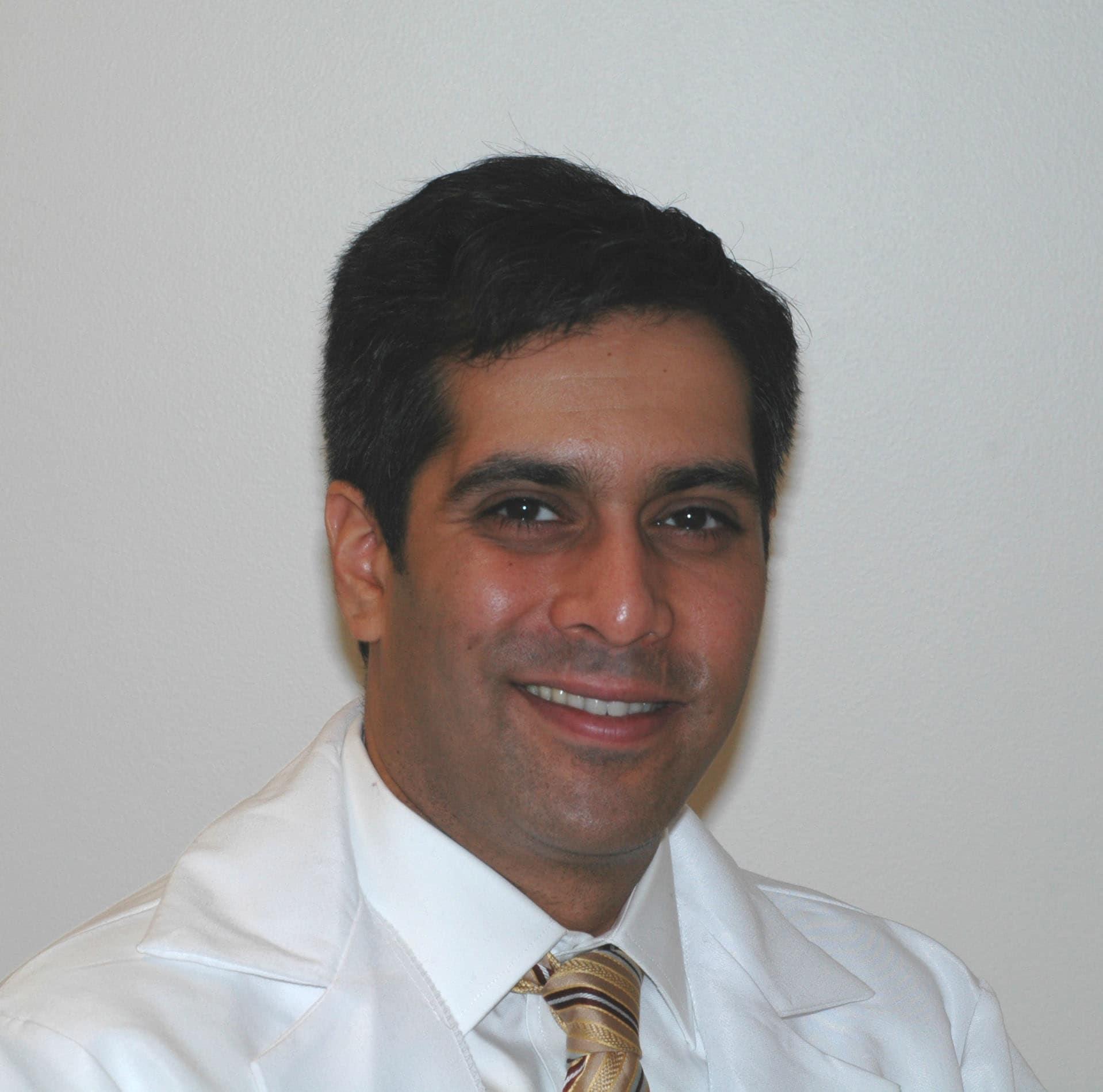 Dr. Pawan Bhatnagar MD