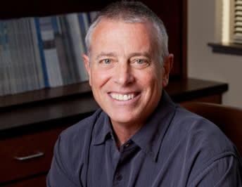Dr. Kenneth R Hanington MD