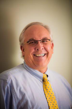 Dr. Thomas R Bodenstine MD
