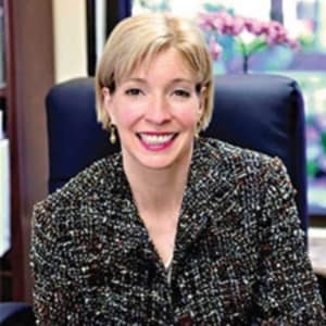 Dr. Elizabeth A Landsverk MD