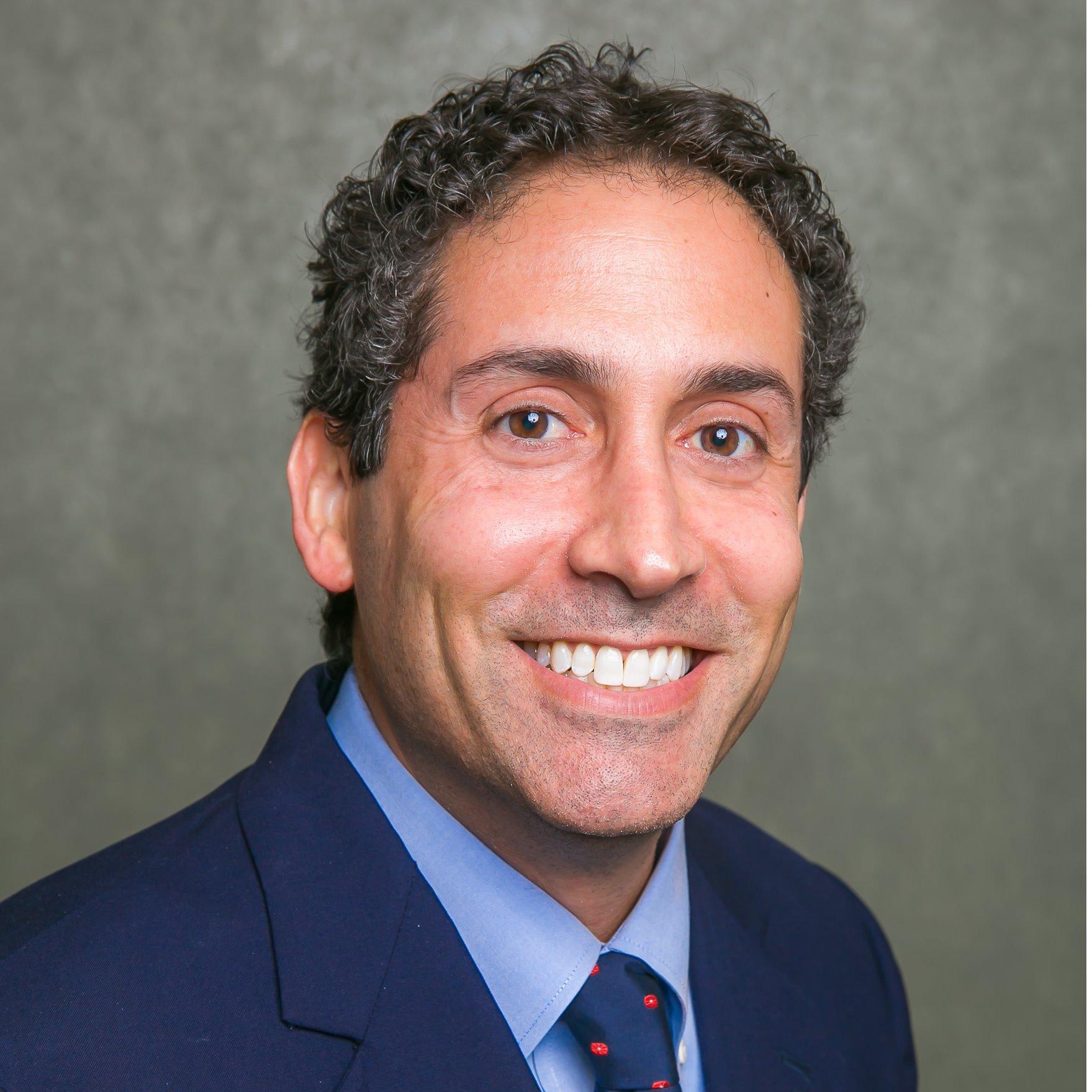 Dr. Michael E Levin MD